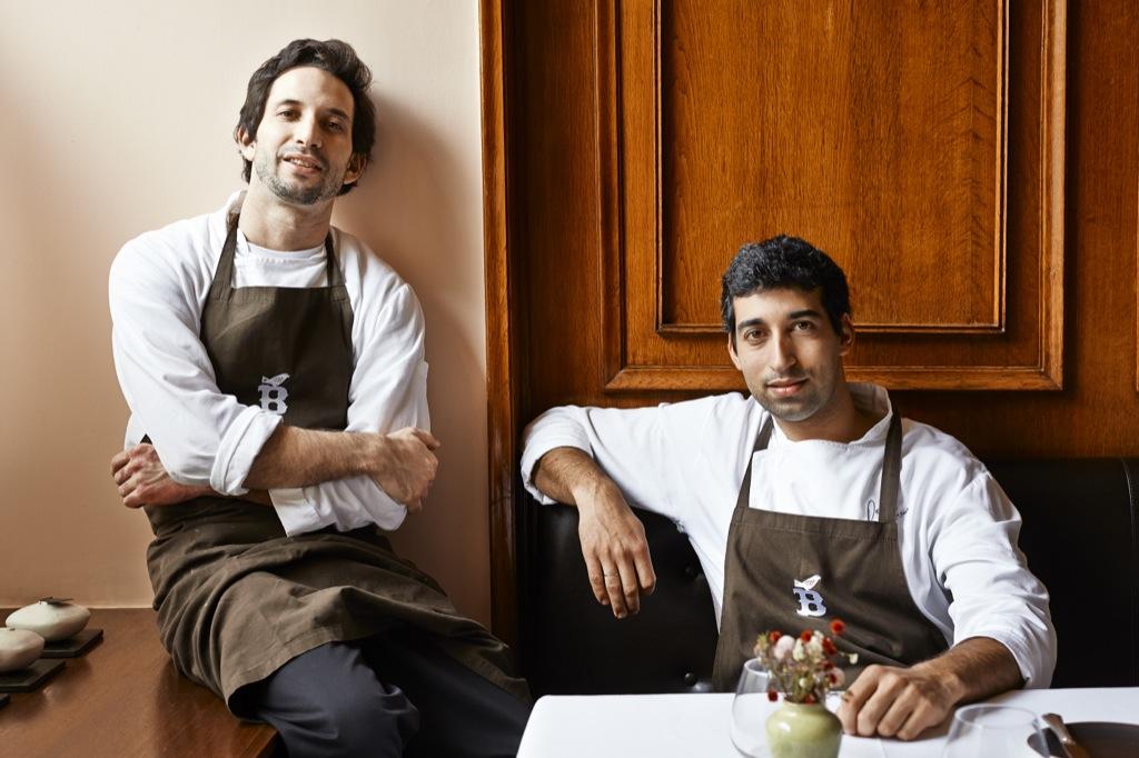 O chef José Avillez com o seu assistente David Jesus.foto- paulo barata 2013